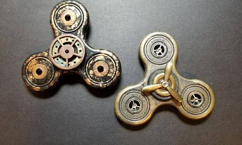 2 bronze steampunk fidget spinners