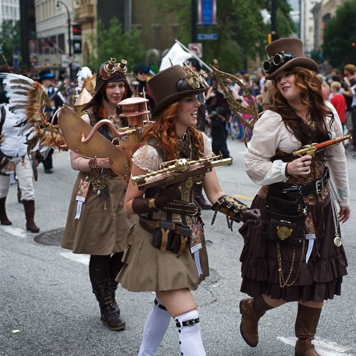 9 Amazing Steampunk Looks for Women From the Steampunk Conventions