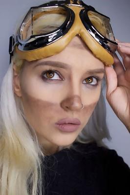 steampunk makeup blonde girl