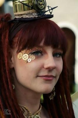 gears on a face as an addition to a steampunk makeup