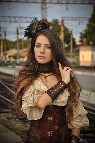 steampunk and Victorian style mix for women with key chain necklace and choker and corset