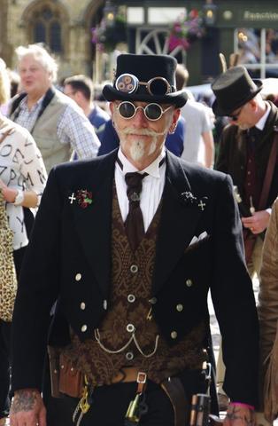 older gentlemen steampunk look